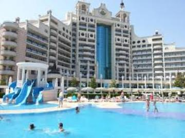 Sunset-Resort-Pomorie-Bulgaria-Pool-View