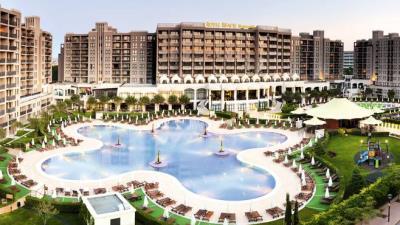 Barcelo-Main-pool