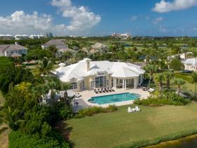 Image No.1-Maison / Villa de 5 chambres à vendre à Nassau