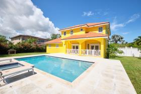 Image No.0-Maison / Villa de 3 chambres à vendre à Nassau