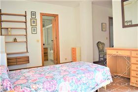 Image No.16-4 Bed Property for sale
