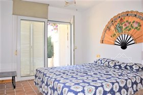 Image No.23-4 Bed Property for sale