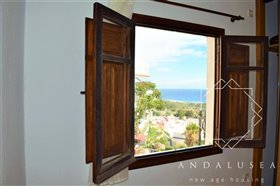 Image No.25-2 Bed Property for sale