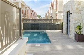 Image No.41-3 Bed Property for sale