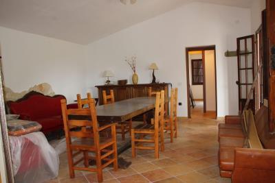 Livingroomhallway