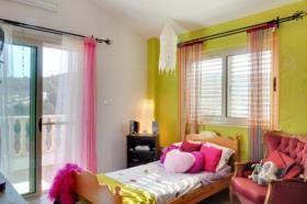 Image No.10-Maison de 3 chambres à vendre à Neon Chorion