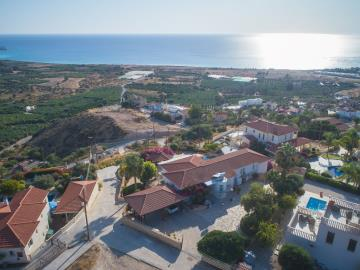 Cyprus_Paphos_CoralBay_Villa_Property_ForSale--33-