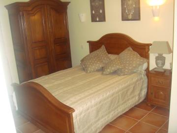 Bedroom-t