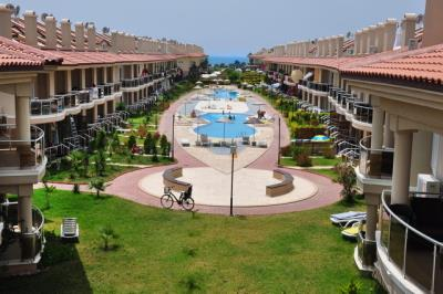 2-bedroom-apartment-in-calis-beach-for-sale-