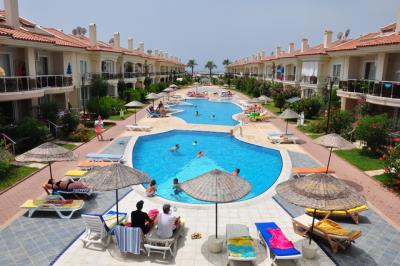 2-bedroom-apartment-in-calis-beach-for-sale-1