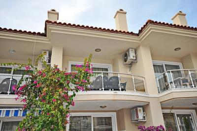 2-bedroom-apartment-in-calis-beach-for-sale-8