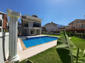 Image No.2-5 Bed Villa for sale