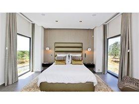 Image No.6-5 Bed Villa for sale