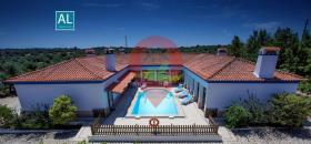Image No.0-Maison de campagne de 6 chambres à vendre à Nisa