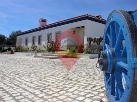 Image No.7-Maison de campagne de 6 chambres à vendre à Nisa