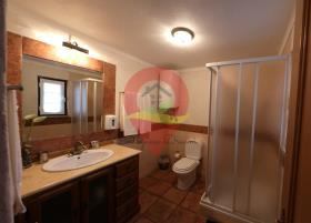 Image No.19-Maison de campagne de 6 chambres à vendre à Nisa