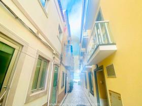 Image No.0-Maison de ville de 2 chambres à vendre à Nazaré