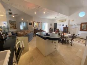 Image No.18-Villa / Détaché de 3 chambres à vendre à Polis