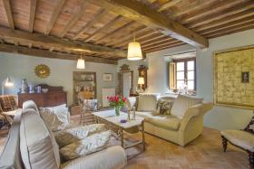 Image No.1-8 Bed Country House for sale