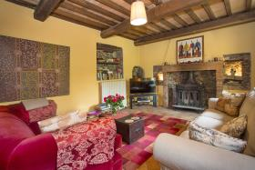 Image No.4-8 Bed Country House for sale