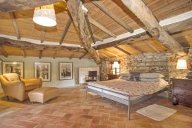 Image No.8-8 Bed Country House for sale