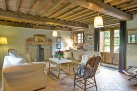 Image No.2-8 Bed Country House for sale