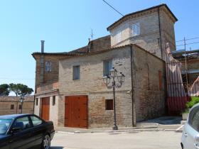 Image No.5-8 Bed Townhouse for sale
