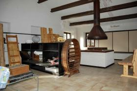 Image No.19-4 Bed Farmhouse for sale