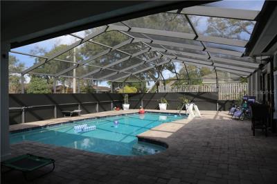 1008-pool