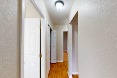 18030-Bayamon-Ave-Hallway