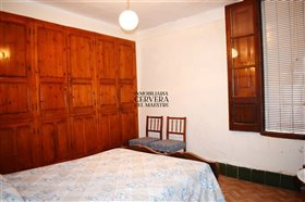 Image No.19-4 Bed Townhouse for sale