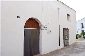 Image No.25-4 Bed Townhouse for sale
