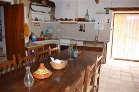 Image No.15-7 Bed Farmhouse for sale