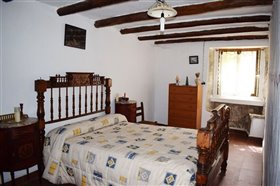 Image No.24-7 Bed Farmhouse for sale