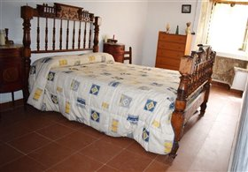 Image No.7-7 Bed Farmhouse for sale