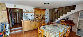 Image No.16-4 Bed Farmhouse for sale