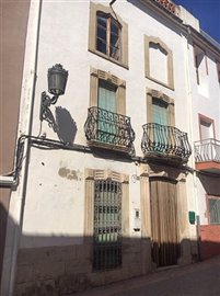 3857-townhouse-for-sale-in-castell-de-castell