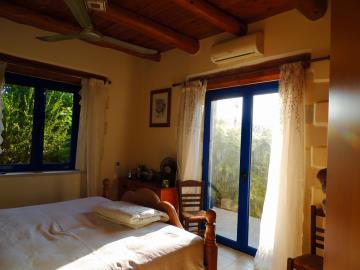 villa-for-sell-near-fres-vrises--0011