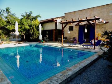 villa-for-sell-near-fres-vrises--0015