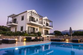 Image No.27-Villa / Détaché de 6 chambres à vendre à Gavalohori