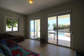 Image No.2-Maison / Villa de 2 chambres à vendre à Kefalas