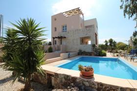 Image No.0-Maison / Villa de 2 chambres à vendre à Apokoronas