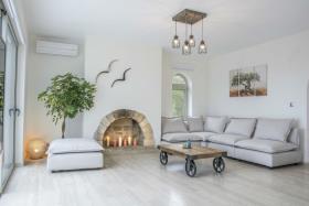 Image No.3-Maison / Villa de 7 chambres à vendre à Plaka