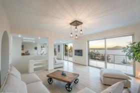 Image No.2-Maison / Villa de 7 chambres à vendre à Plaka