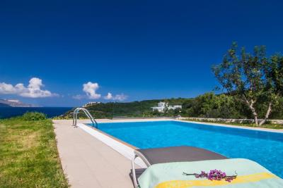 Villa-for-sale-Plaka-Apokoronas-the-pool-97098ea5