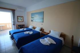 Image No.3-Un hôtel de 14 chambres à vendre à Kalyves