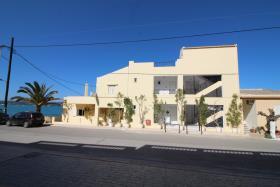 Image No.0-Un hôtel de 14 chambres à vendre à Kalyves