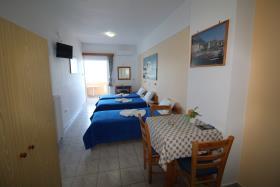 Image No.5-Un hôtel de 14 chambres à vendre à Kalyves