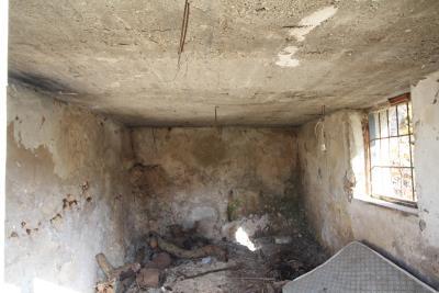 Armeni-House-for-Sell-for-Renovation-MariaIMG_4623