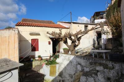 Armeni-House-for-Sell-for-Renovation-MariaIMG_4632